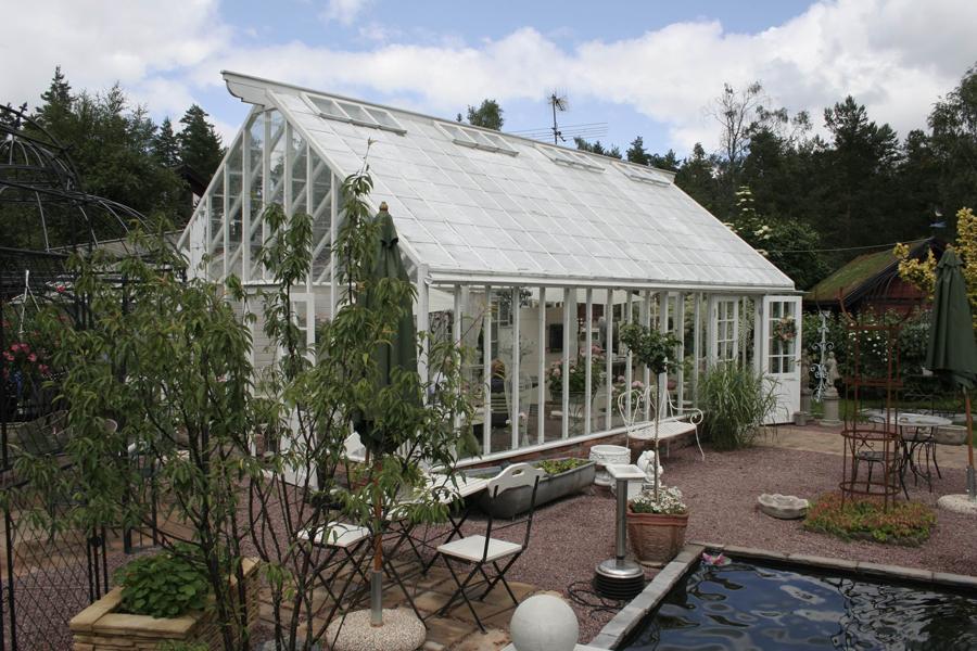 Ett stort växthus hos garden aquatica