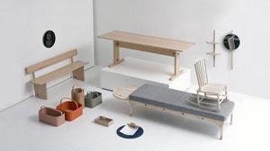 Trämöbler som symboliserar utställningen Furnishing Utopia på Möbelmässan i Älvsjö år 2017