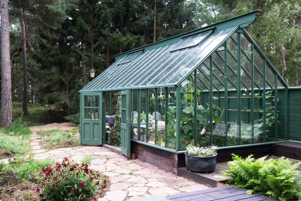 Det gröna attefallsväxthuset finns i Åhus i Skåne.