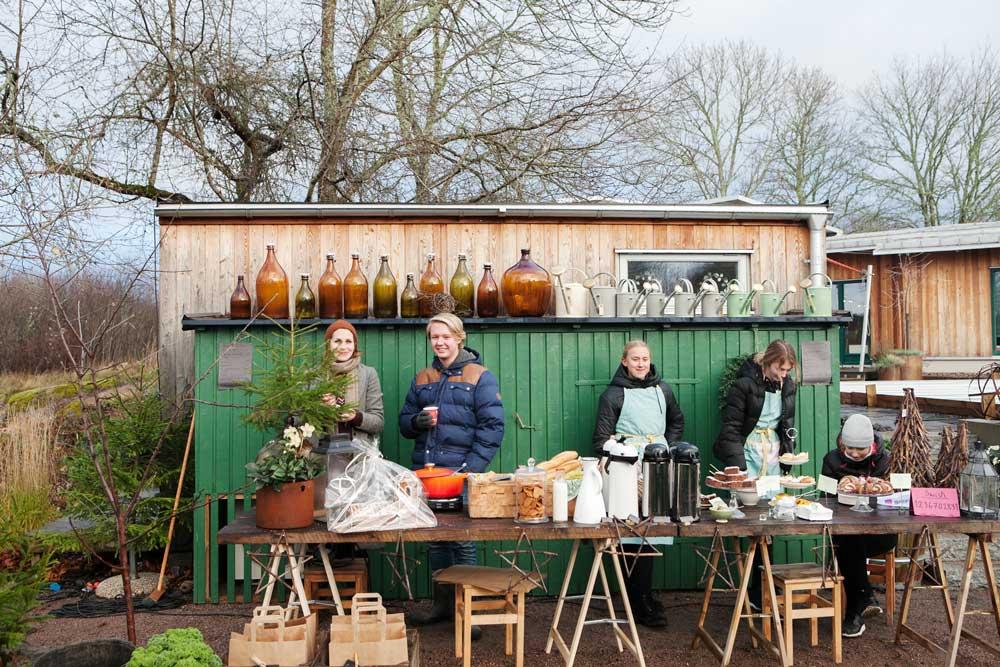 Kaffe med dopp eller en varm soppa kunde man köpa hos Familjen Grön utanför Uppsala.
