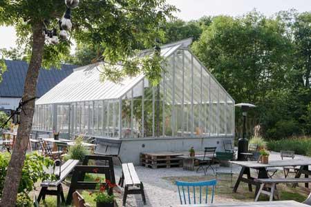 Sweden Green Houses träväxthus hos Leva Kungslador på Gotland.