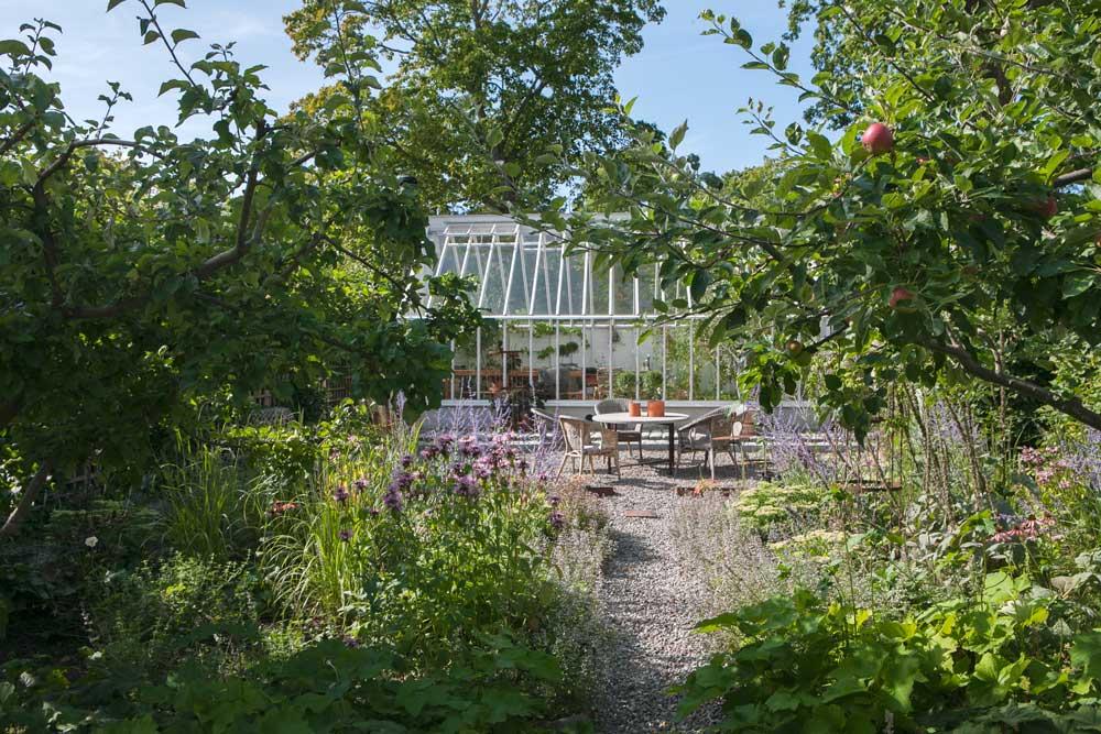 September månad är en härligt tid för växthuslivet.