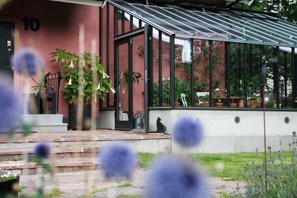 växthus mot vägg