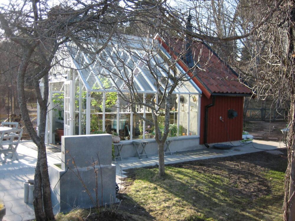 Specialritat växthus anslutet mot ett utekök