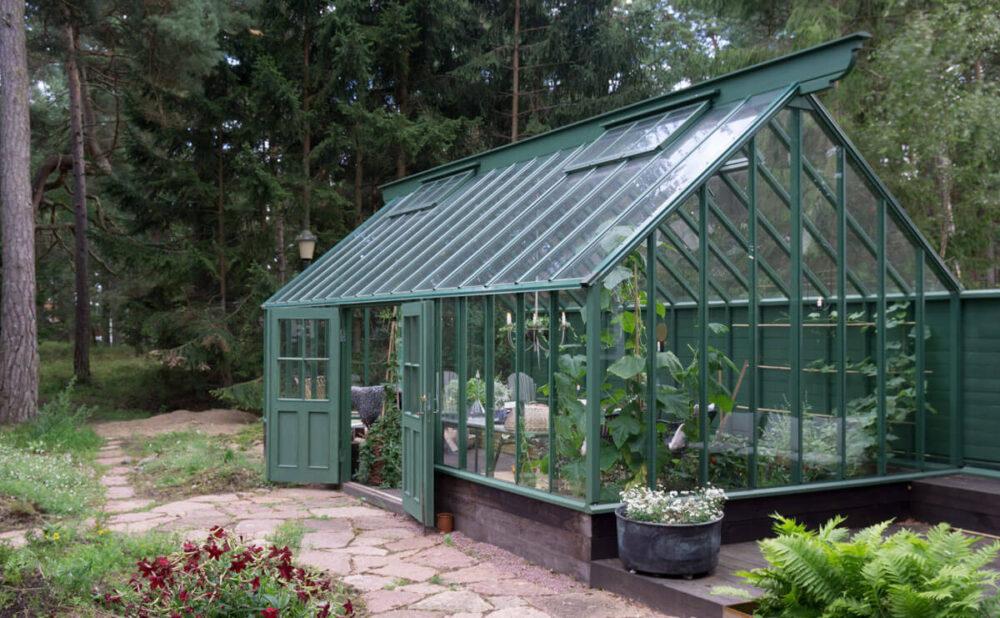 Attefallväxthus  i tallskogen