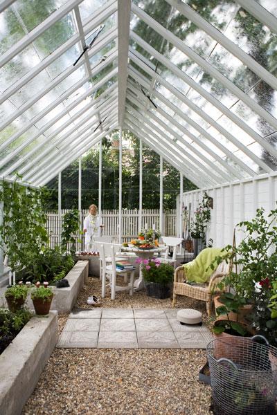 Singel och betongplattor i växthus