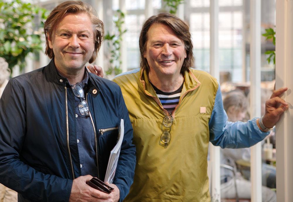 Niclas Steeve och Svante Öqvist i sitt växthus.