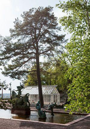 Växthus bakom fontänen på Millesgarden.