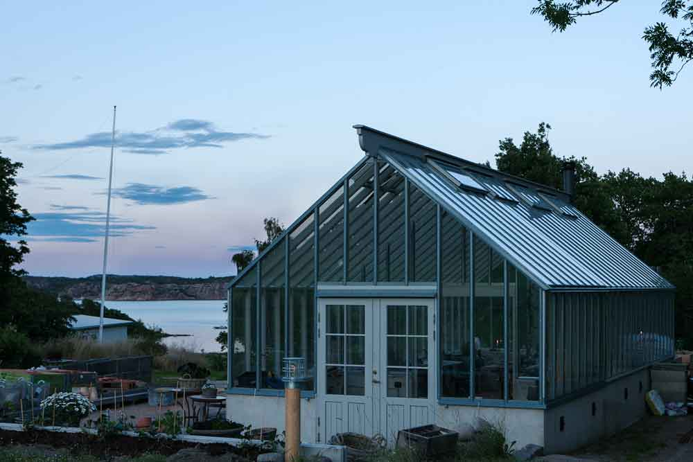 Växthus vid sjön