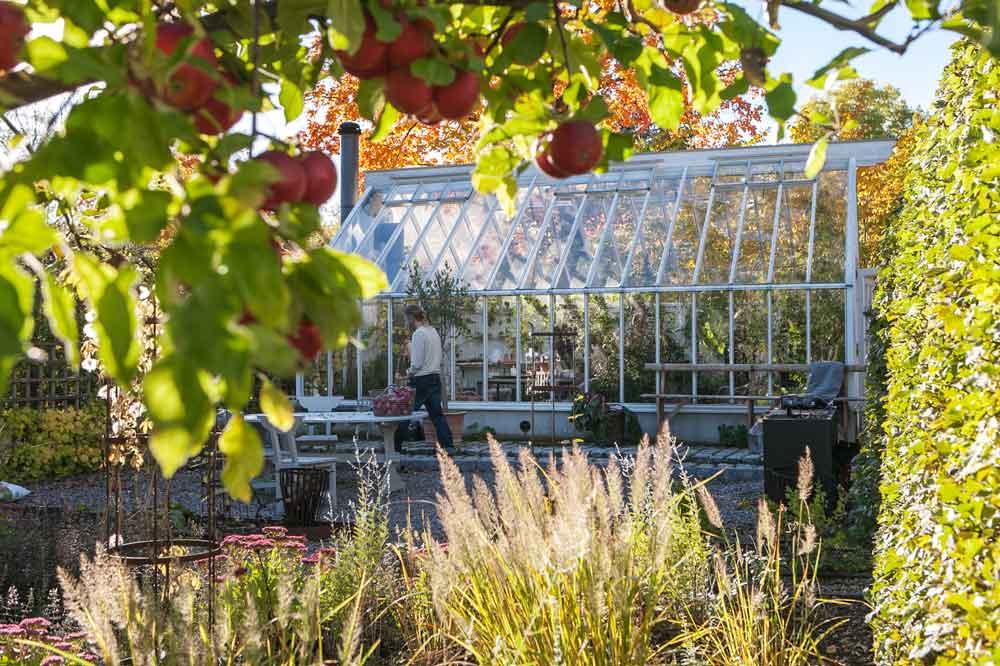 Växthus med sadeltak.