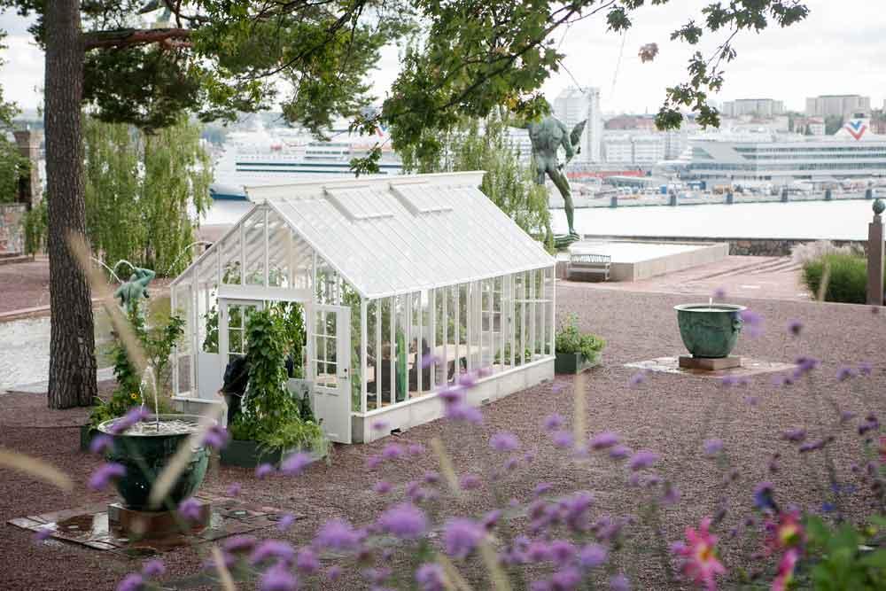 Vitt växthus på Millesgården.