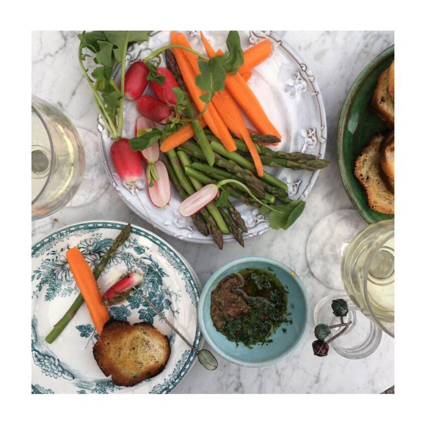 Grönsaker och dip.