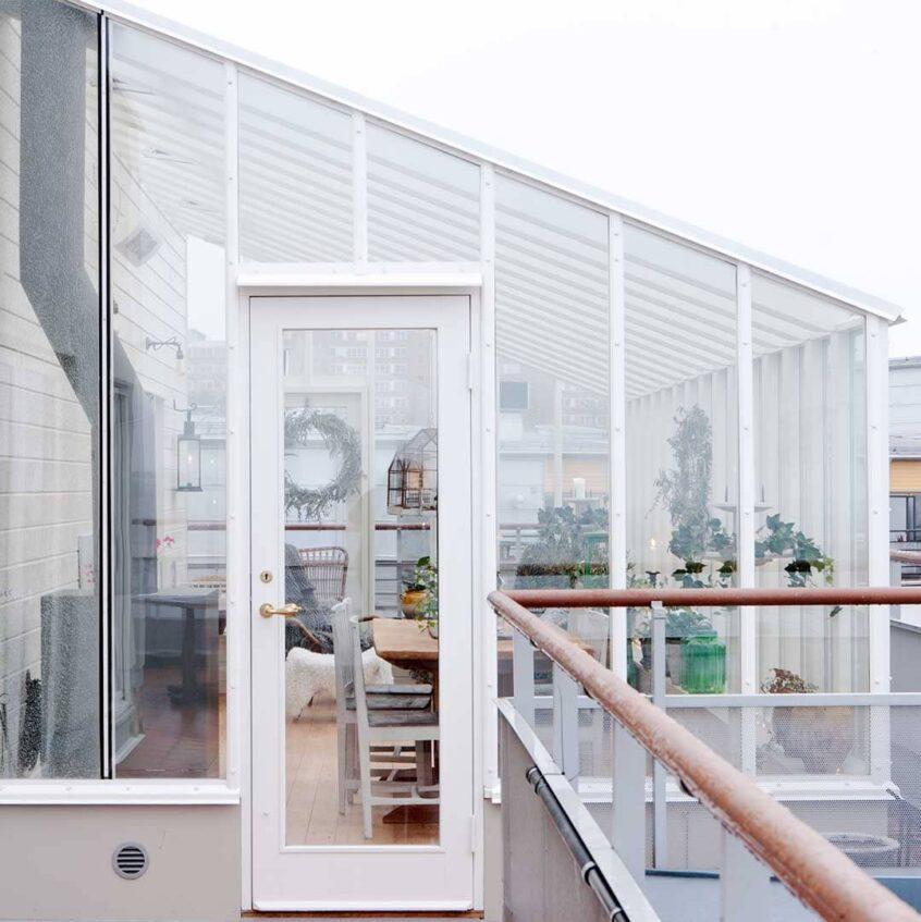 Växthus med isolerglas på terrass.