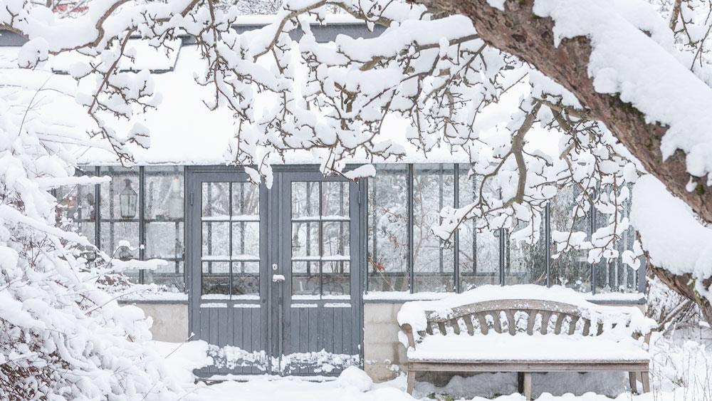 vinter växthusdörrar
