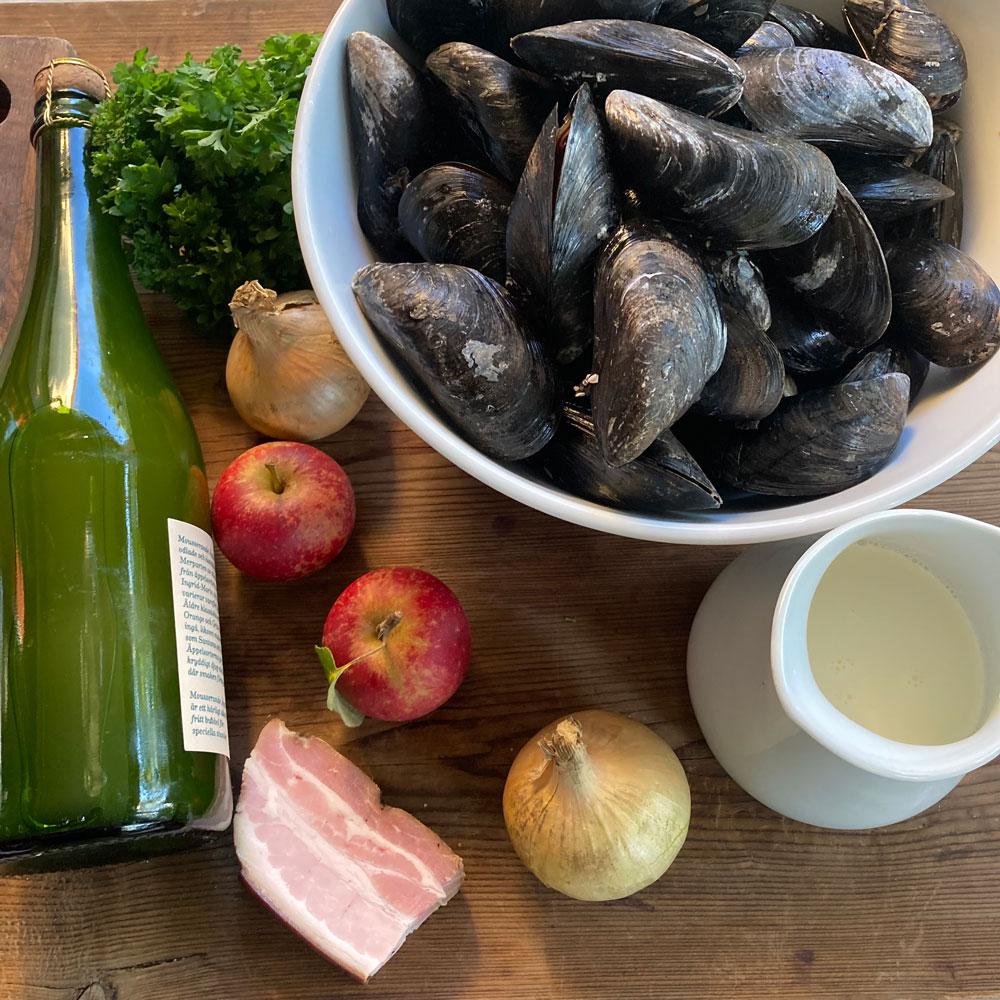 Ingredienser till ciderkoka musslor